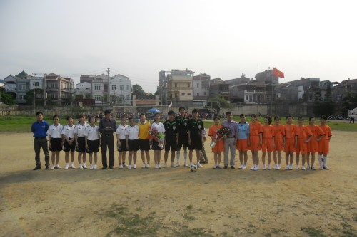 Giao hữu bóng đá nữ 7 người giữa Chi đoàn BQL KKT và Chi đoàn Văn phòng UBND tỉnh
