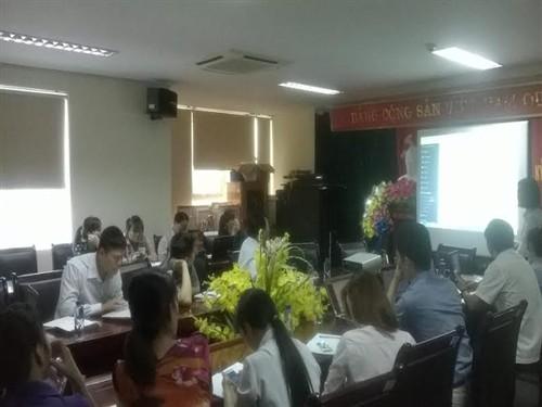 Các cán bộ công chức, viên chức tham gia lớp tập huấn sử dụng phần mềm VNPT - iOffice